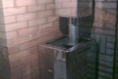 Монтаж железной банной печи Harvia с подключаемым отопительным щитком