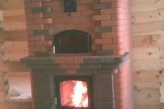 Теплоемкий камин для больших помещений с хлебной камерой