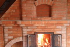 Теплоемкий камин второго этажа